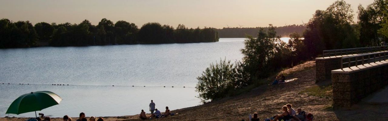 Offlumer See im Sommer-Sonnuntergang